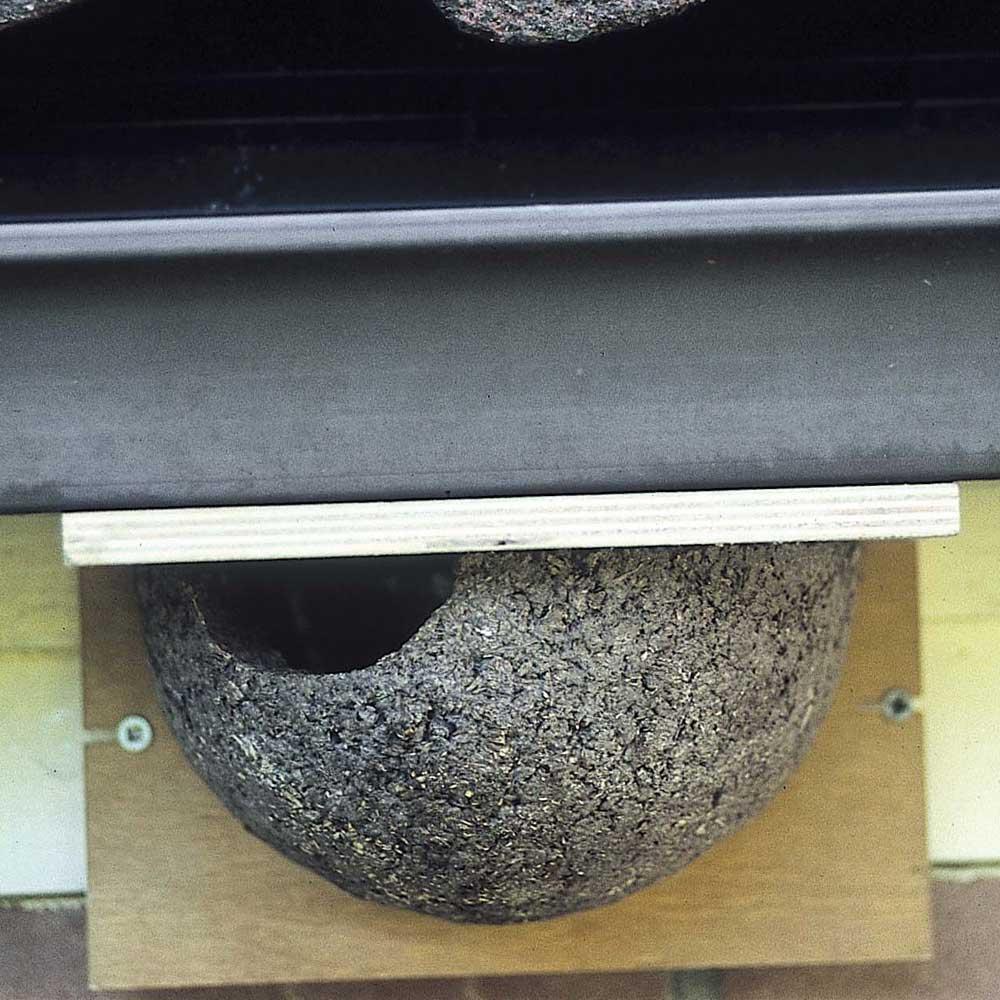 Huiszwaluwkunstnest enkel (ingang links)